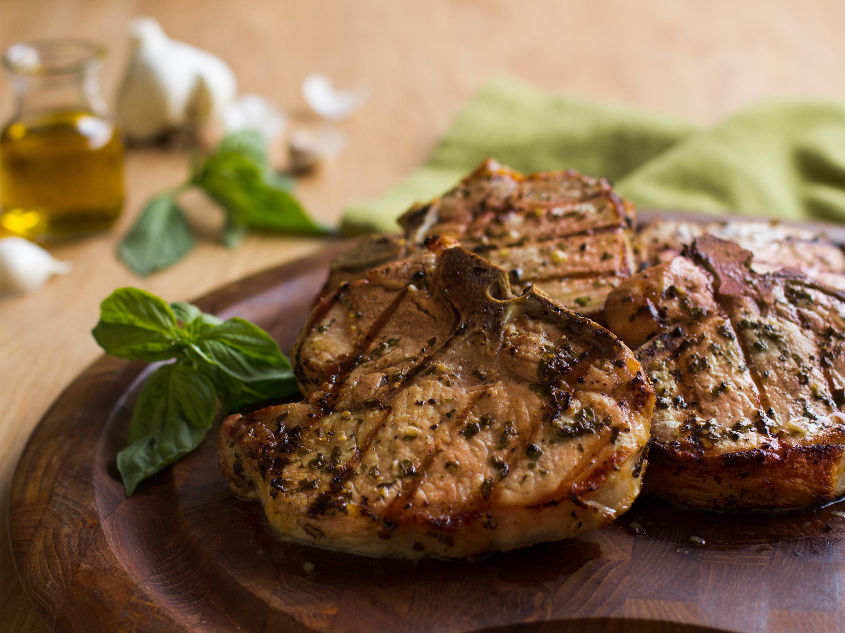 Basil-Garlic Porterhouse Pork Chops - Pork Recipes - Pork Be Inspired