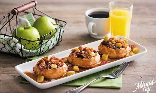 Mimis-Cafe-Bacon-Apple-Waffles