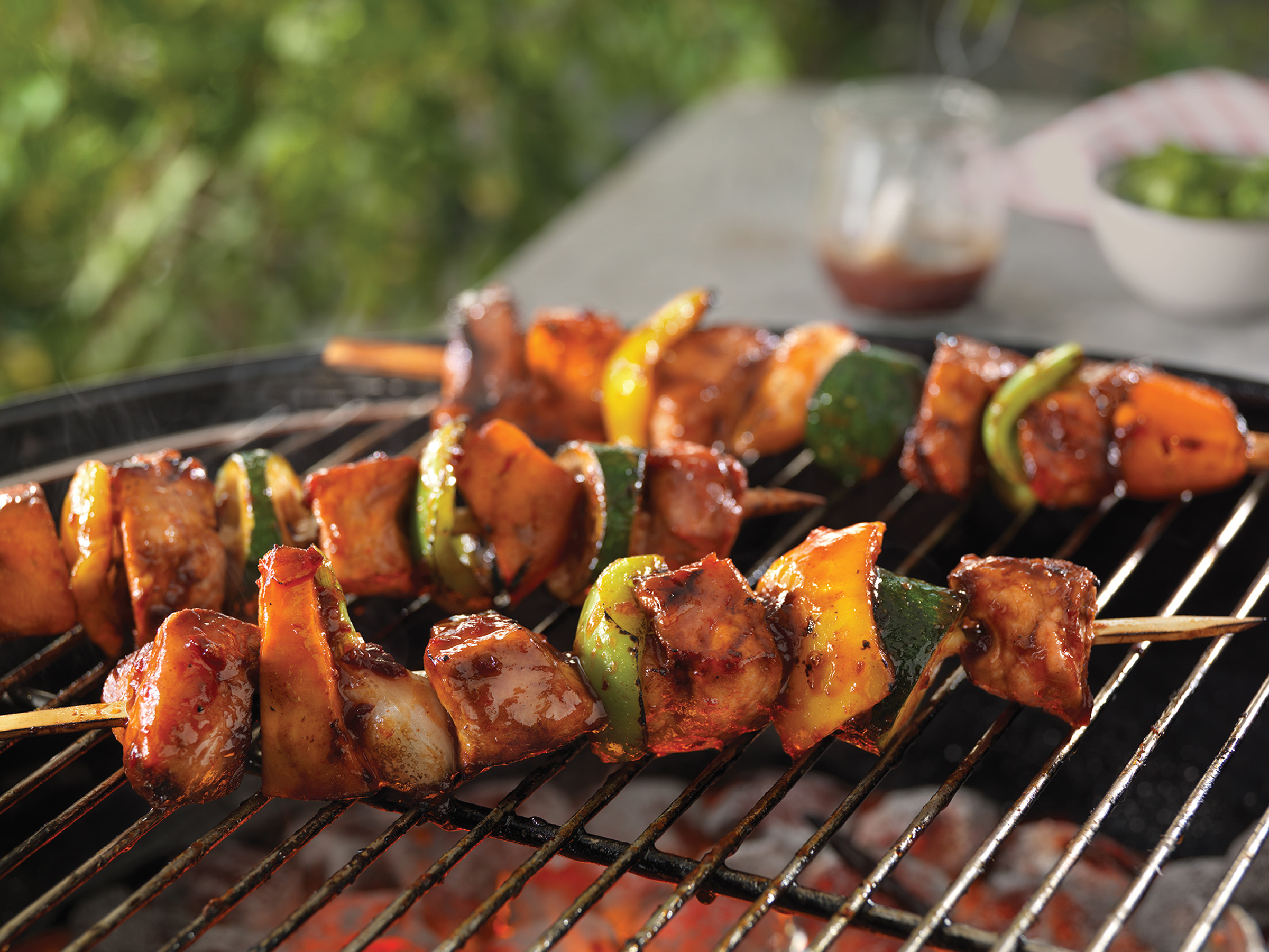 Easy-Breezy-Honey-Chipotle-Pork-Kabobs_HR
